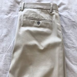Dockers Signature Men's Khaki pants (slim 33x30)